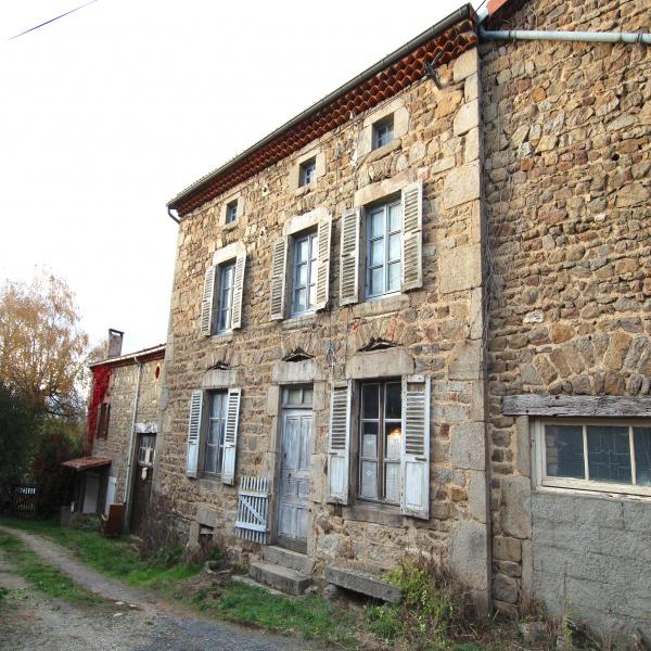 Offres de vente Maison de village Saint-Flour 63520